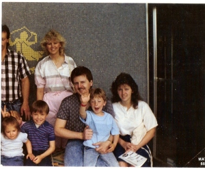 That's me with my dad's family, ruining this family photo :P