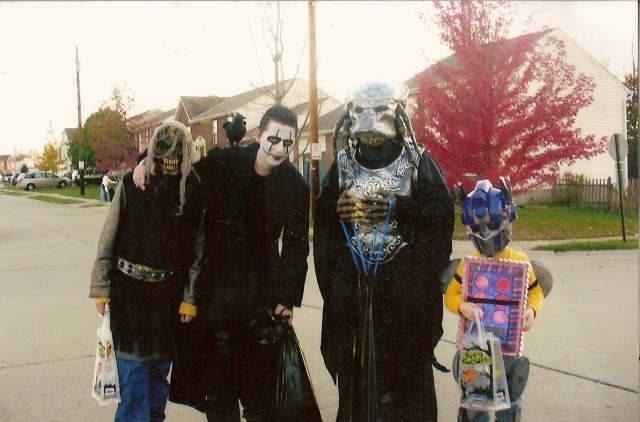 2008 I'm the crow with my cousins